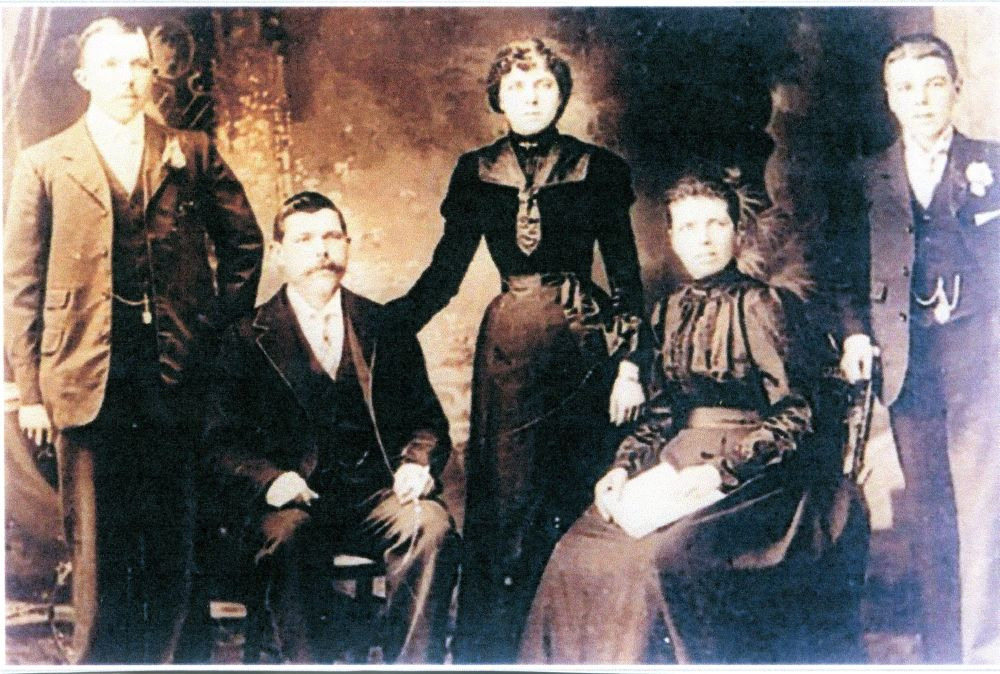 R-L William, Henry, Lillian, Esther Leggett and Charles Trim c.1905